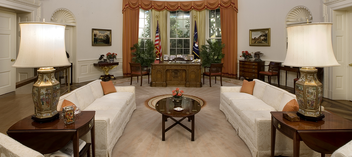 President Ronald Reagan Last Day PHOTO Final Look at Oval Office White House